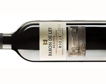 Flasche Rotwein der Marke Baron De Ley reserva aus Spanien